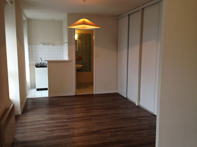 EXCLUSIVITE INVESTISSEUR A VENDRE APPARTEMENT T1 BIS DE 27 M2 BREST SAINT MICHEL