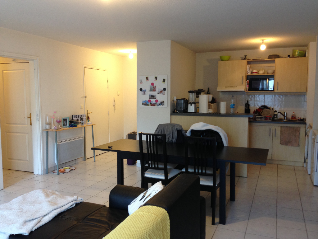 EXCLUSIVITE A VENDRE DANS RESIDENCE DE STANDING APPARTEMENT 3P DE 70 M2 PARKING PROTEGE BREST KERINOU