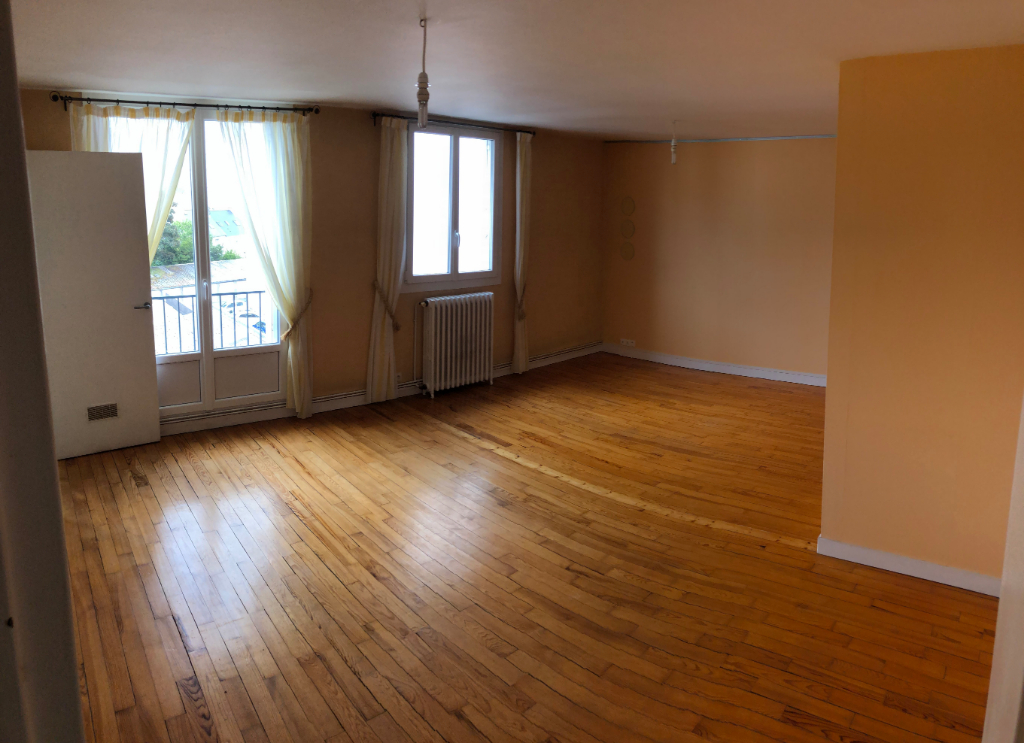 A LOUER BREST CENTRE VILLE-SAINT-MICHEL APPARTEMENT 3 PIECES 67 M2 + GARAGE FERME