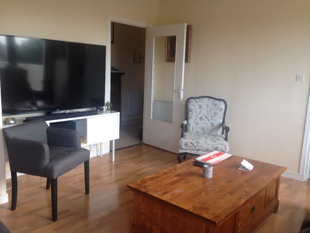 A VENDRE APPARTEMENT 4 PIECES DE 73.30 m2 PARKING PRIVATIF BREST CENTRE VILLE